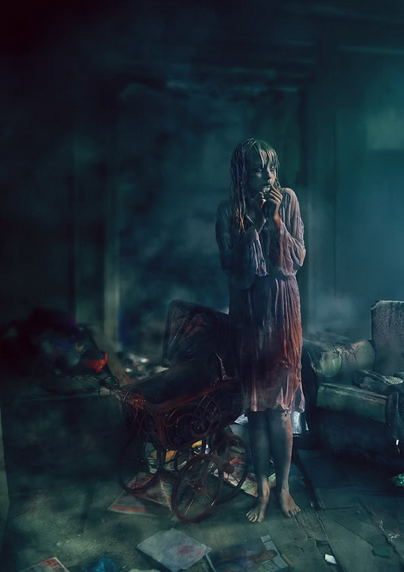 Create a Horror Movie-Themed Photo Composition in Photoshop