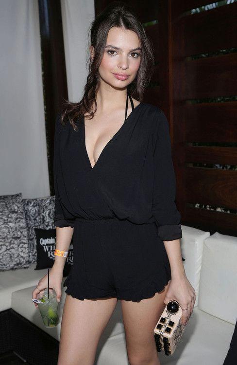 Emily Ratajkowski (41)